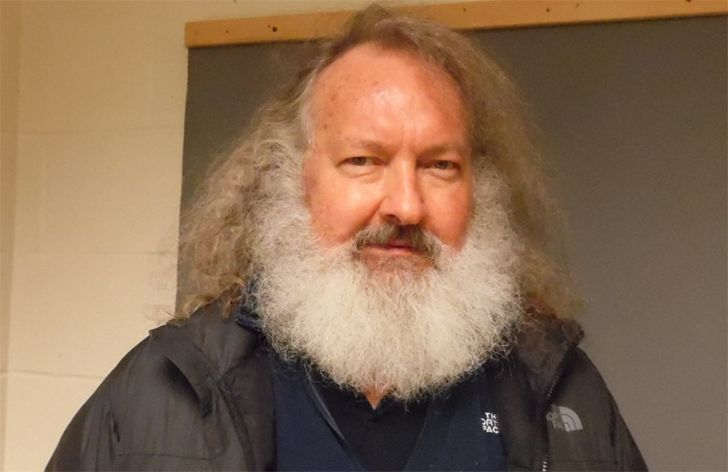 Randy Quaid The Independence Day actor and his wife Evi were forced to file for Chapter 11 in 2000 after their movie, ironically titled The Debtors, bombed. After a rash of bizarre legal problems—including being arrested for allegedly defrauding an innkeeper—the couple fled to Canada. This January, Canadian immigration officials denied Randy's request for permanent...Read More