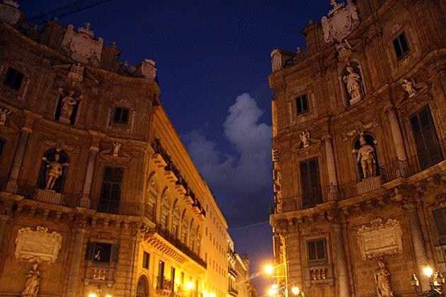 Quatro Canti by night #Palermo