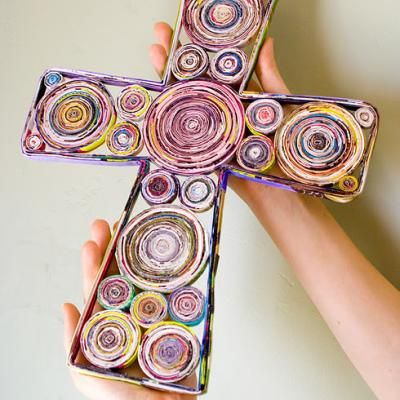 made from rolled up magazine pages. Love it, great for our summer camp??
