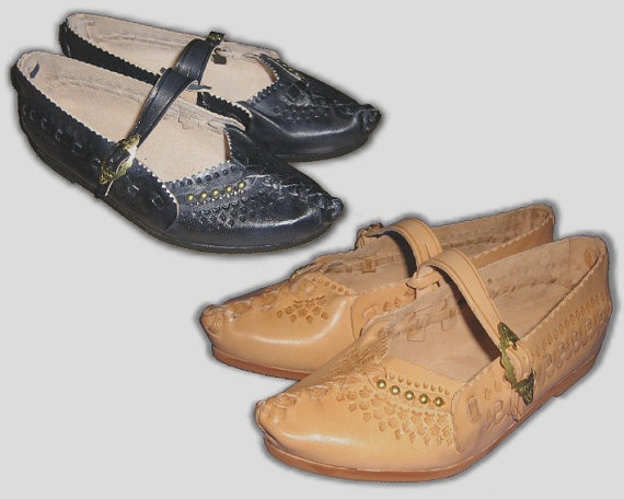 Gorgeous Leather Ethnic shoes by KultomaniA on Etsy, $49.99