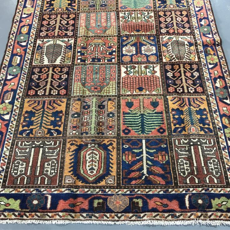 Beautiful vintage 1950s Bakhtiari rug hand knotted in southwestern…