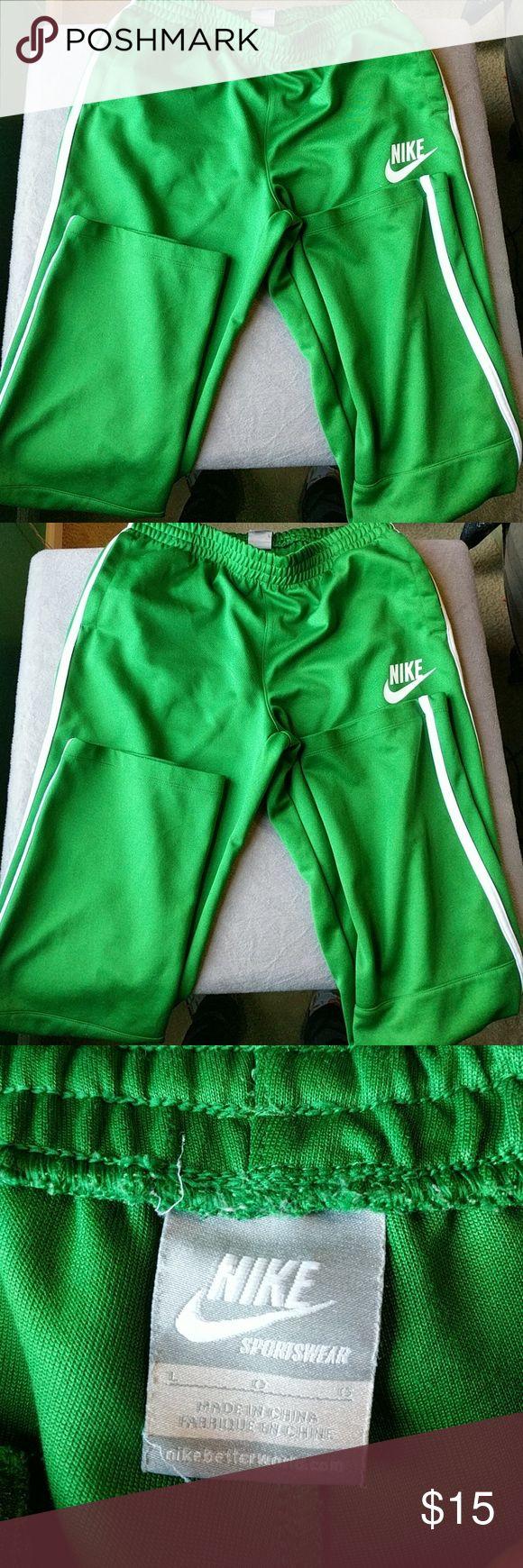 Nike sportswear fleece pants (discontinued) Very comfortable, Barely Used, Nike sweatpants Nike Pants Sweatpants & Joggers
