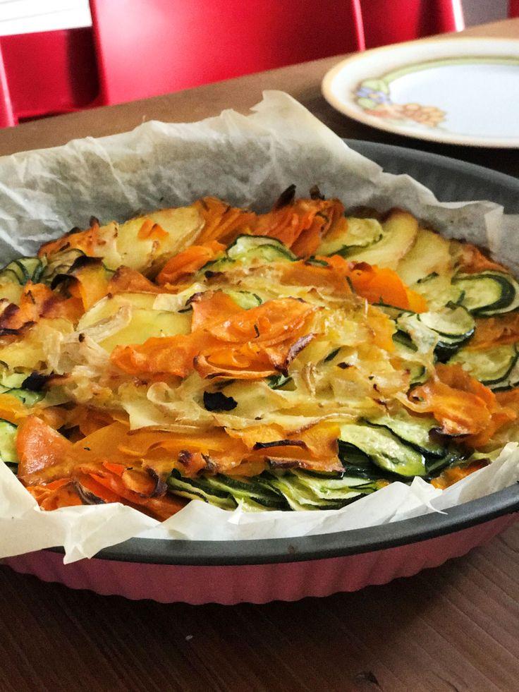 La mia versione di un grande classico della cucina vegetariana: laratatouille. Sana, leggera, gustosa e ricchissima di nutrienti. Potete farla con verdure diverse a seconda della stagione, in questo periodo però è d'obbligo la mia amata zucca!