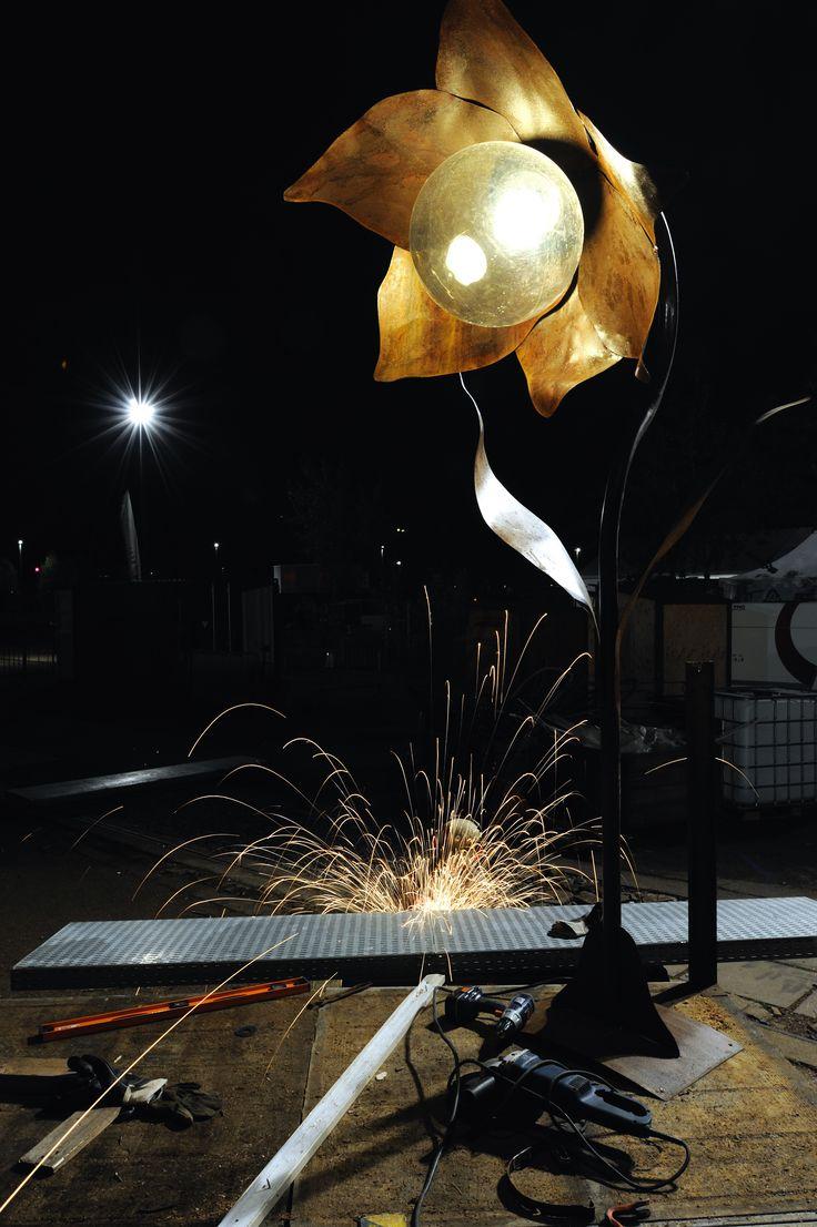 """lampadaire en forme de fleur ensemble en métal brut rouillé, hauteur 2,3m """"indoor-concept"""""""