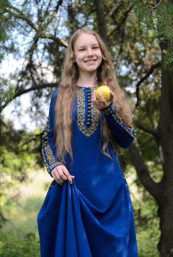 """Medieval dress / Elven dress / Historical dress """"Sapphire""""."""