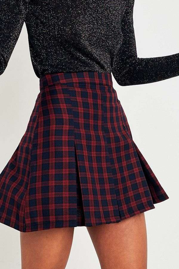 1ca5cf55e47bf3 Urban Renewal Vintage Remnants Wine Checked Pleated Skirt | Liste d ...