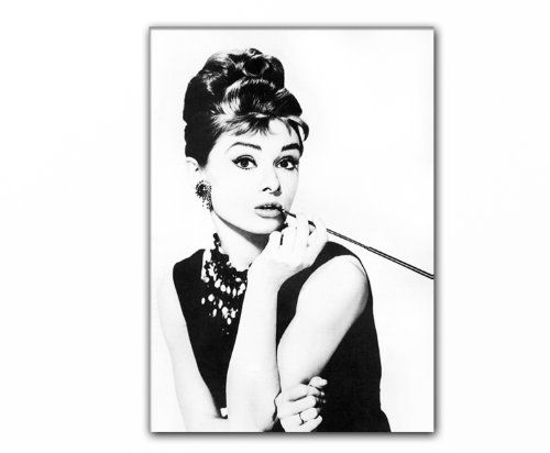 17 best ideas about audrey hepburn smoking on pinterest audrey hepburn audrey hepburn fashion. Black Bedroom Furniture Sets. Home Design Ideas