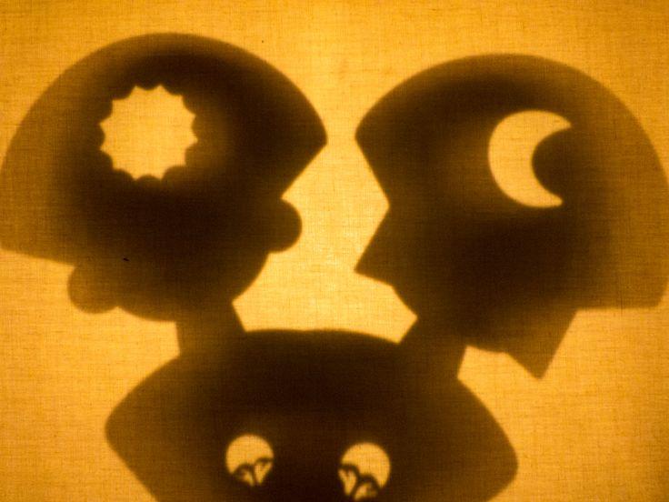 Juguemos con Sombras! #pachamama #sombras #teatrodesombras #juguetes