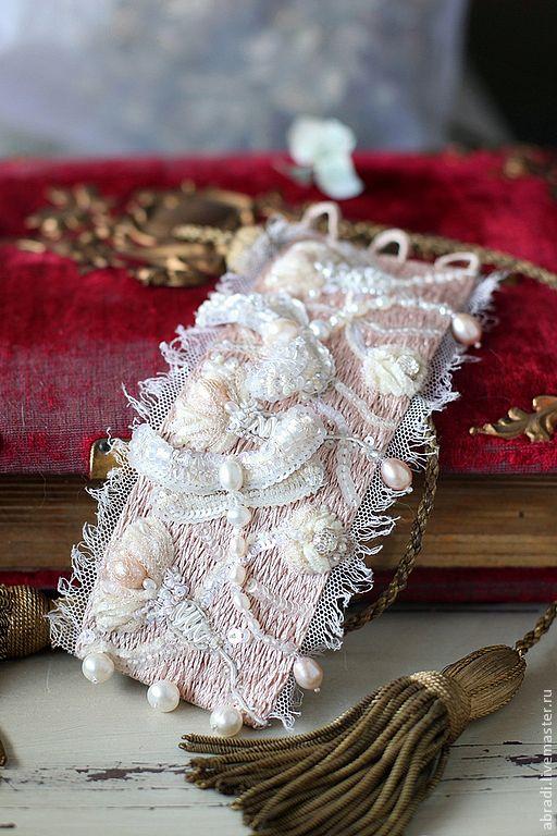 """Купить Браслет """"Розовые сны """" - бледно-розовый, браслет, вышивка, жемчуг, стразы, пайетки"""