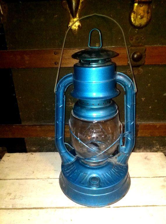 Vintage Blue Dietz No 2 Railroad Barn Kerosene Lantern