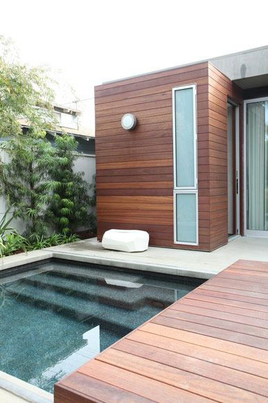 small plunge pool with contemporary deck - Lean Architecture