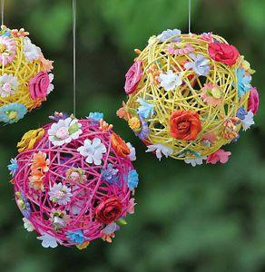 Dekokugel-Rattan-mit-Blumen-19-cm-865280-Fensterdeko-Fruehling