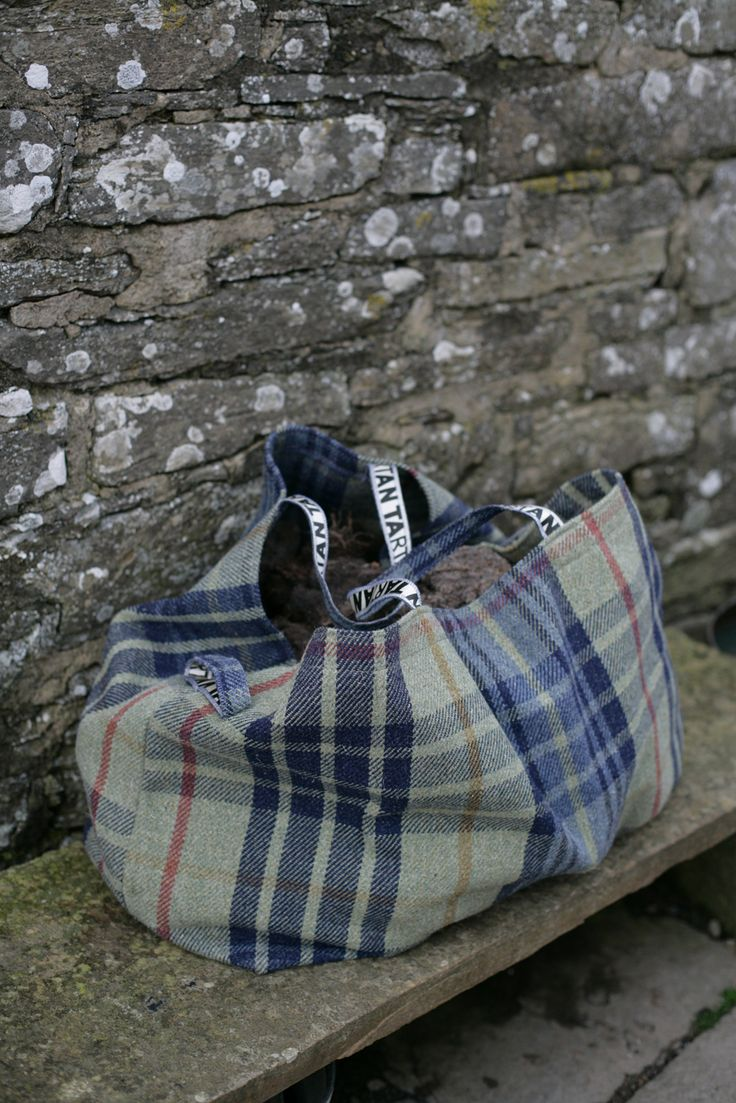 ANTA Carpet Tartan Log bag in Ballone fabric. This lovely bag and others are on the ANTA webpage – http://anta.co.uk/made-in-scotland/bags #anta #fashion