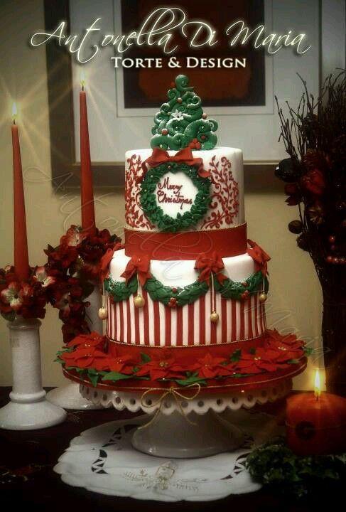 Christmas cake http://media-cache-ak0.pinimg.com/originals/71/3a/b0/713ab07190f9d7cb562dfbd7593fa075.jpg