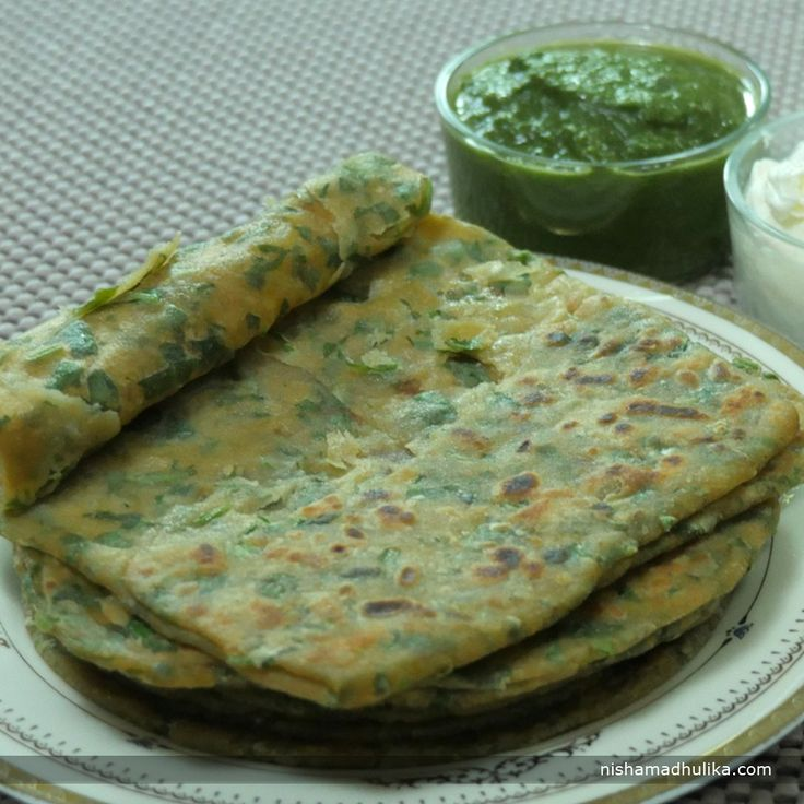 Scrumptious Palak Paratha for an enjoyable lunch or dinner.