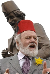 Sir Anthony Hopkins unveils a statue of Tommy Cooper in Cooper's home town, Caerphilly, Wales