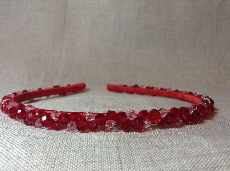 Купить Ободок ручной работы - ярко-красный, стеклянные бусины, украшения ручной работы