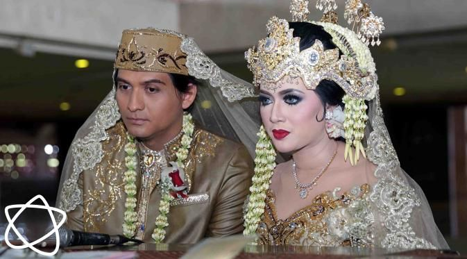 Tiara Dewi, Nikita Mirzani, Perceraian Shinta Tanjung - http://wp.me/p70qx9-7Ai