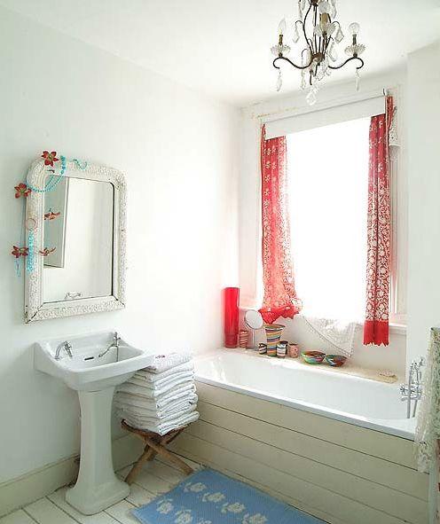 vintage bathroomBathroom Design, Crystals Chand, Bathroom Mirrors, Dreams Home, Blue Room, Bathroom Ideas, White Interiors, Bathroom Decor, White Room