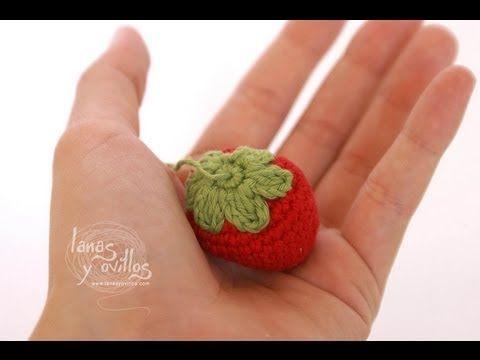 fresa llavero amigurumi                                                                                                                                                                                 Más