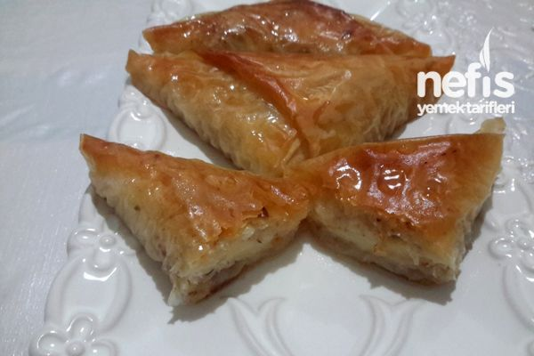 Bol Cevizli Pratik Laz Böreği Tatlısı