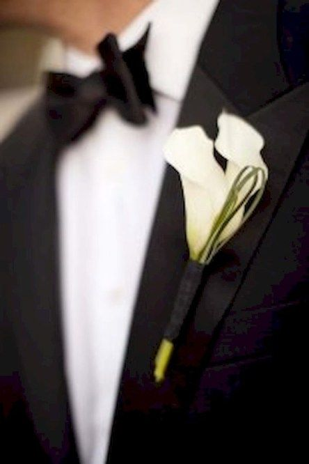 Elegant calla lilly boutonniere for perfect wedding (28)