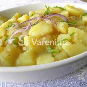 Fotografie receptu: Německý bramborový salát s cibulí