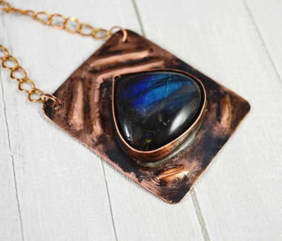 Stone labradorite in the copper metal plate by SzkatulkaAmi