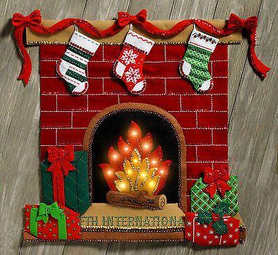 Bucilla Fireside Glow ~ Fieltro Navidad Kit Colgante De Pared #86821 Luces de chimenea,
