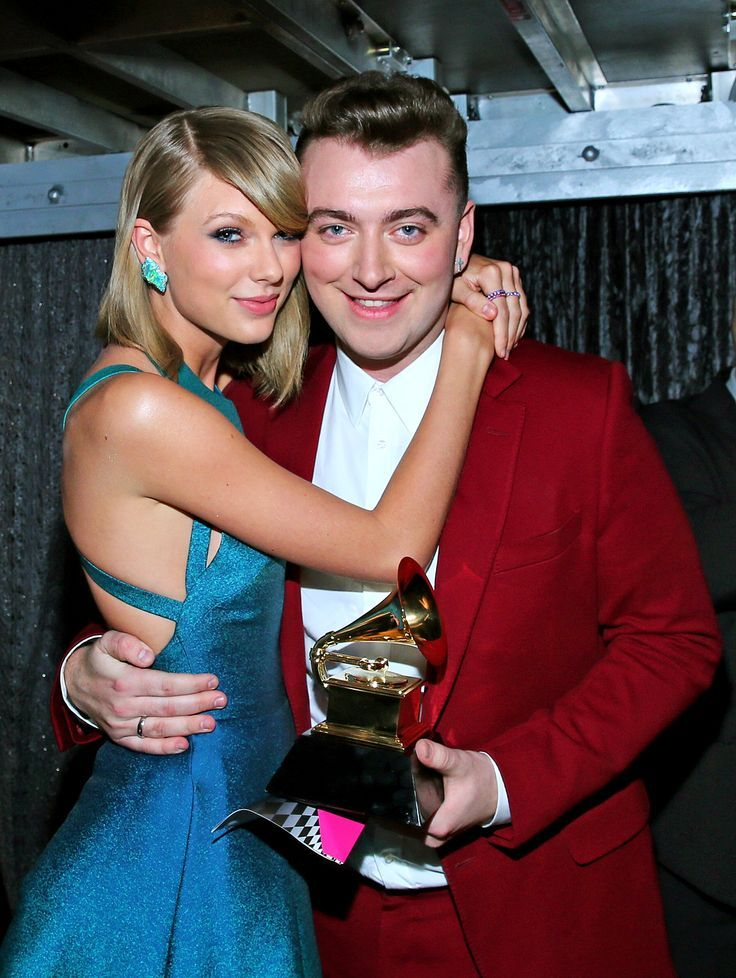 The most beautiful red carpet looks     Picture    Description  Sam Smith and Taylor Swift at the Grammy Awards – love her opal earrings 2015     https://looks.tn/celebrity/red-carpet/red-carpet-looks-sam-smith-and-taylor-swift-at-the-grammy-awards-love-her-opal-earrings-2015/