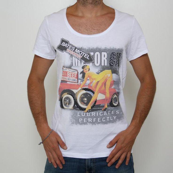 T-shirt Imperial Motor oil DB12015 - MVG8JCLE   T-shirt Imperial Motor oil DB12015 - MVG8JCLE  , manica corta, molto scollata, larga sui fianchi, stampa frontale con una donna in versione meccanico, scritte