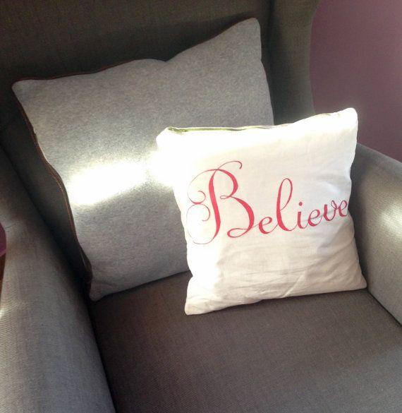 Believe pillow casechristmas pillow casechristmas di LaTanaDiOtto