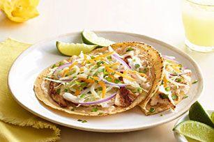 Pour préparer une variante savoureuse aux tacos au poisson classique, utilisez du poisson grillé.