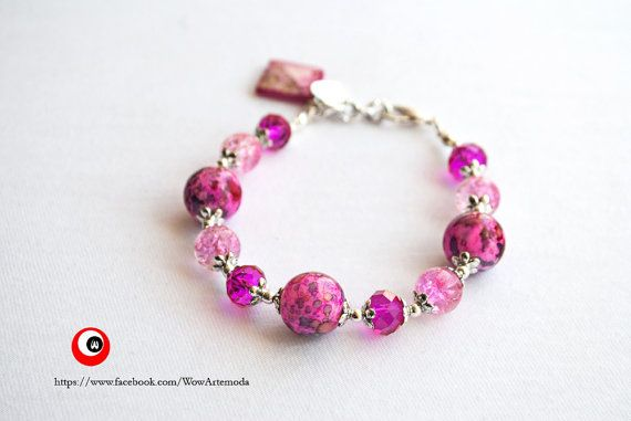 Bracelet with fuchsia speckled stones and swarovski di WoWArteModa, €9.90