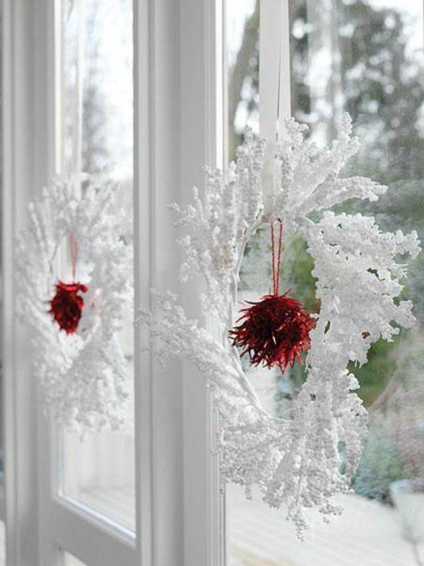 bastelideen band Fenster Weihnachtsdeko weiß kranz