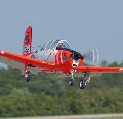 t-34b mentor   ... Top Gun Update -- Mark Frankel, Beechcraft T-34B - Model Airplane News