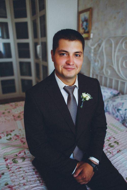 Утро жениха Дмитрия  #morninggroom #wedding #weddingday #groom #decoration #ideas #details #boys #costume #groomssuit #weddingphotograpy #костюм #костюмжениха #свадьба #жених #утрожениха #свадебныйдень #бутоньерка