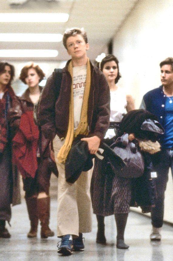 CLUBE DOS CINCO, 1985 - Dirigido por John Hughes. Título original: The Breakfast Club. Elenco: Emilio Estevez, Anthony Michael Hall, Paul Gleason, John Bender, Molly Ringwald, Ally Sheedy