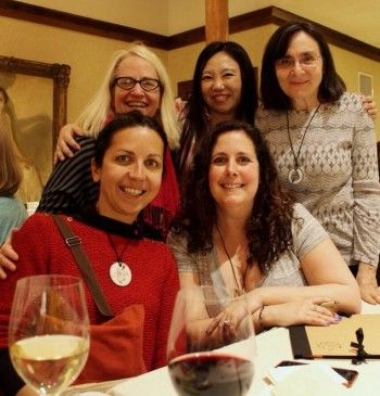 One wonderful aspect of CZT training was meeting tanglers from all over. That's Cari to the right on the front row, siitting next Alicia Gutierrez Rey from Spain. Behind her is Michelle Silverman from Minnesota, behind Cari is Debbie Lim from Singapore and next to her is moi from Philly.