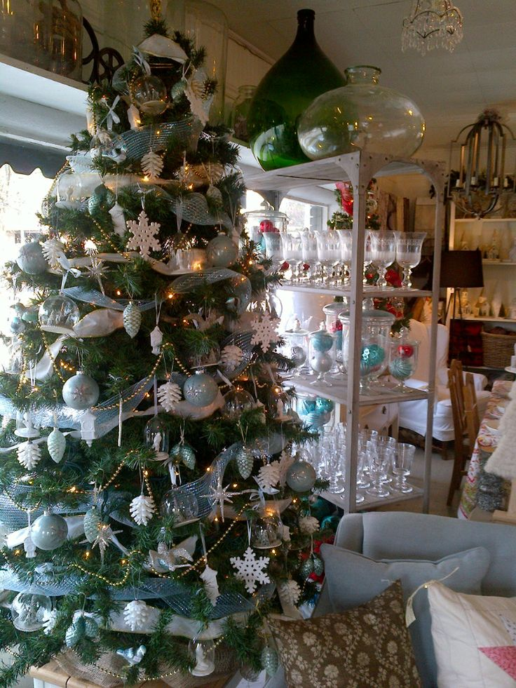blue and white Christmas Decorations   Christmas   Pinterest