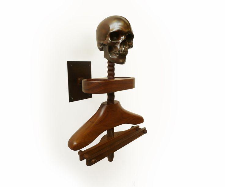 Halloween, czaszka, wieszak https://www.homify.pl/katalogi-inspiracji/9705/halloween-czas-na-upiorne-wnetrze