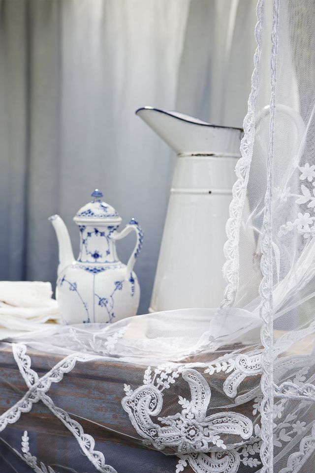 79 IdeasGuestroom, Guest Room, Royal Copenhagen, Blue, Shabby Chic, Ana Rosa, White Lace, Furniture Decor, Vintage Rose