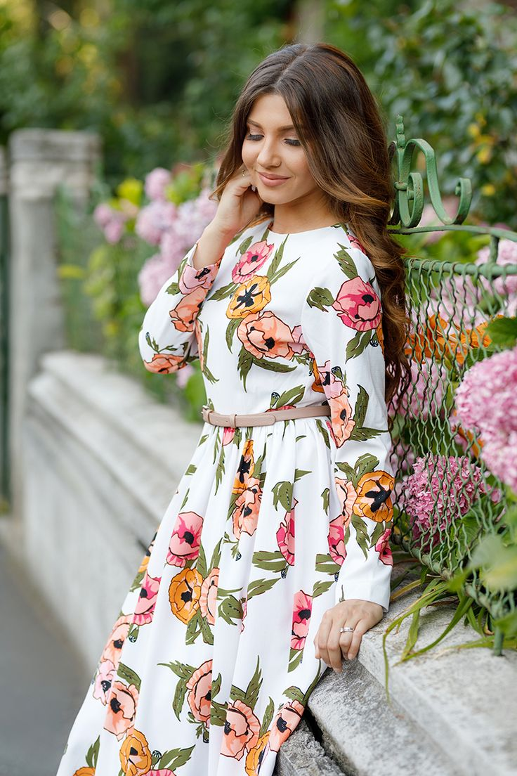 Wearing a gorgeous floral print dress from @daintyjewells on a beautiful summer day, today on my blog: http://larisacostea.com/2017/07/pocketful-of-poppies/