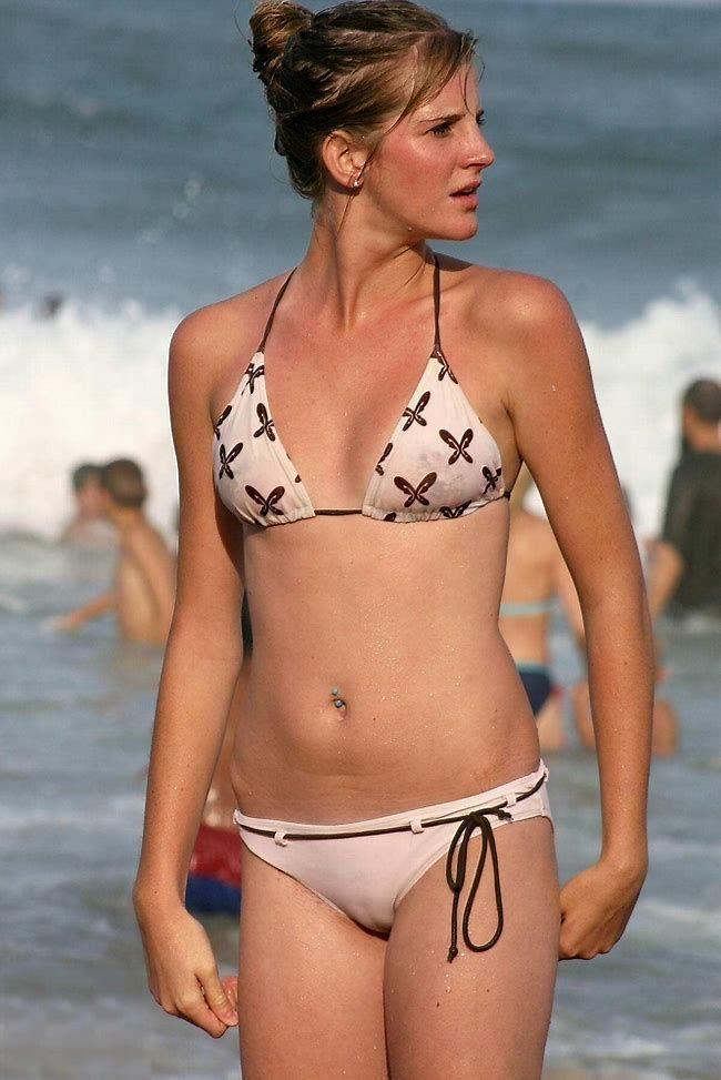 Cameltoe boobs bikini bottoms