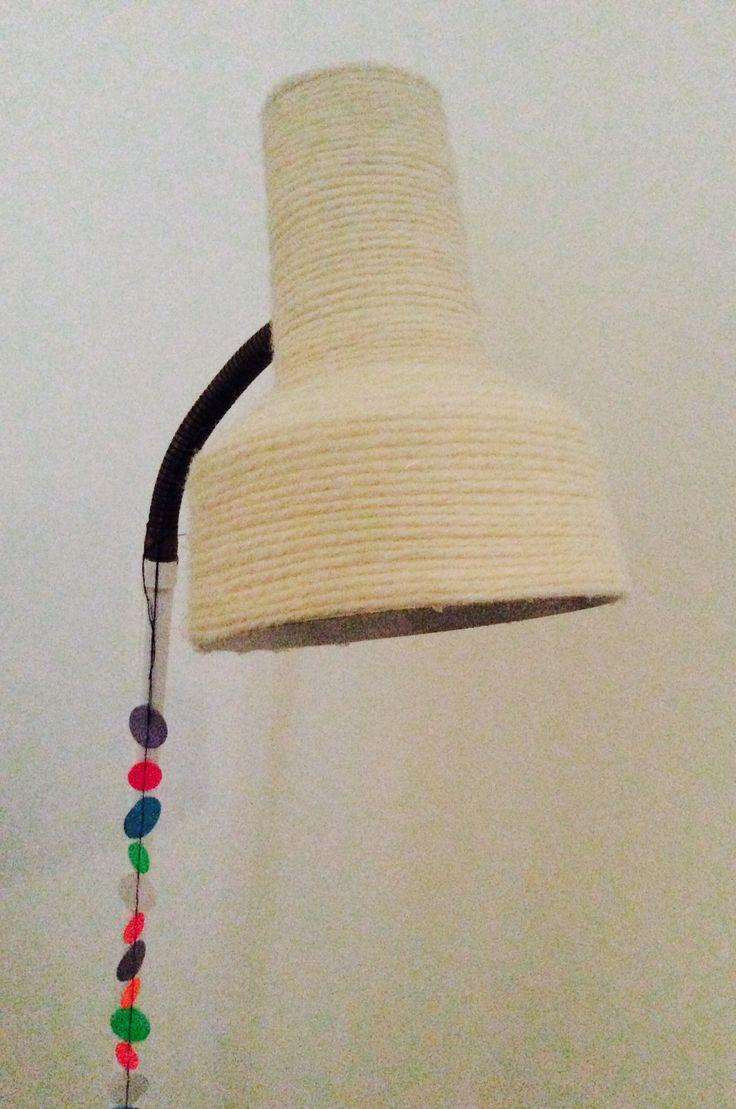 DIY Lamp, yarn makeover, Lamp idea //Caroline LK