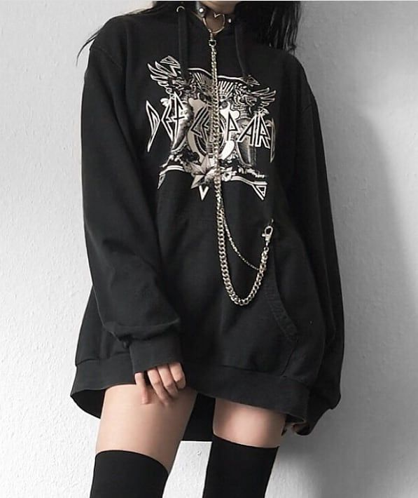 ,21,2 ou 3? Follow • • • • • Siga lyndsey.grunge para mais postagens como …   – Ein paar Outfits