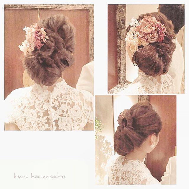 ♢♦︎ HAPPY NEW YEAR 2016 ♦︎♢ 今年初の花嫁様、レトロな雰囲気の手作りドレスと大正ロマンを意識したヘアスタイル、とっても素敵でした♪ 今年もたくさんの素晴らしい出会いがありますように♡ Hairstyling:#YIwasaki #takamibridal#wedding#bridal#bridesmaid#hairmake#hairarrange#weddingphoto#weddingflower#flowerarrangement#タカミブライダル#ブライダルヘアメイク#ヘアメイク#ヘアアレンジ#ヘアセット#結婚式#花嫁ヘア#編み込み#フェミニン#ヘアスタイル#ルーズヘア#ビジュー#ブライズメイド#編み込みヘア#ヘアスタイル#アンティークドレス#ドレス#花嫁