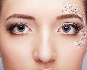 眉マスカラのおすすめ人気ランキング5選 | LIFE SAVER 黒髪に近いような暗めのブラウンヘアカラーの方は、眉マスカラもダークトーンのブラウンが合います。ダークブラウンやモカブラウンなどの暗めの眉マスカラを選ぶと良い ...