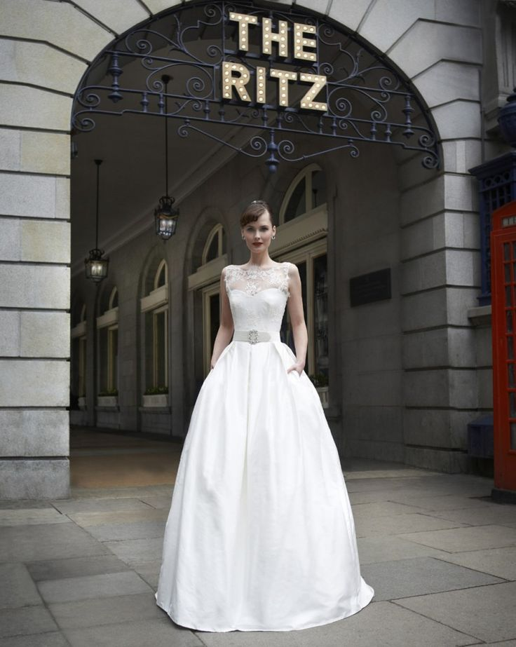 This Stephanie Allin wedding gown is timeless classic- worthy of the likes of Audrey Hepburn and Grace Kelly.