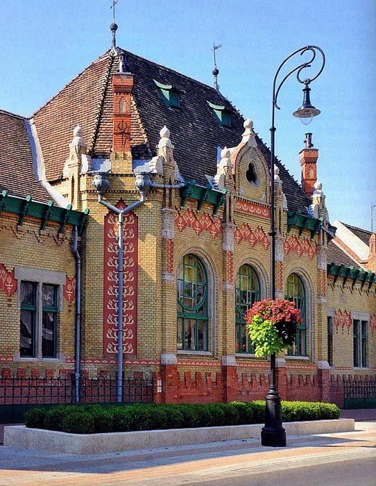 Hodmezovasarhely: Gentlemen's casino ( architect: Gyula Sandor )